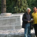 10_Štefan Zelenák (čestný predseda) so Štefanom Červenákom (predseda) na Národnom cintoríne (2010)